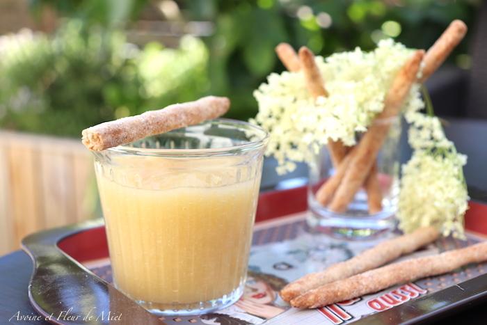 Compote de pomme, poire et fleurs de sureau